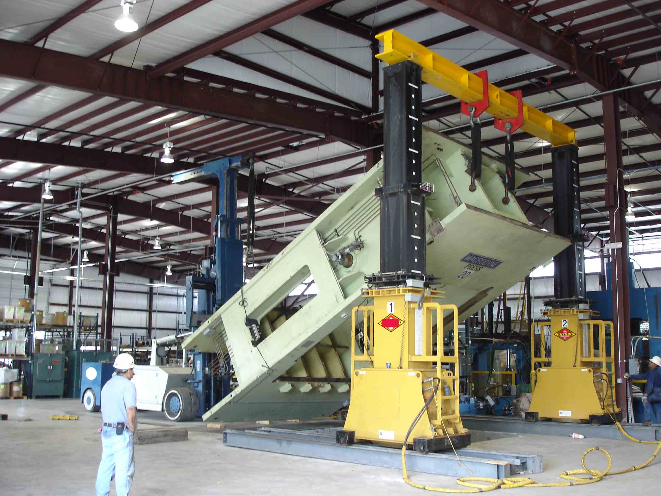 2000ton Thermoplastic Forming Press - Installation